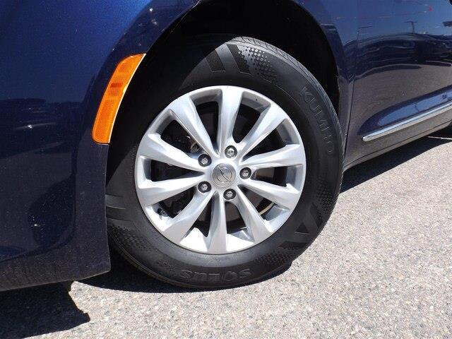 2017 Chrysler Pacifica Touring-L (Stk: 20000A) in Pembroke - Image 15 of 26