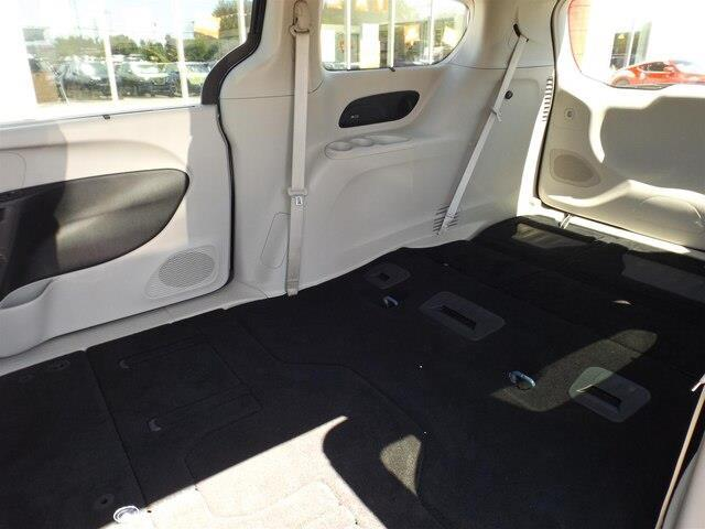 2017 Chrysler Pacifica Touring-L (Stk: 20000A) in Pembroke - Image 17 of 26