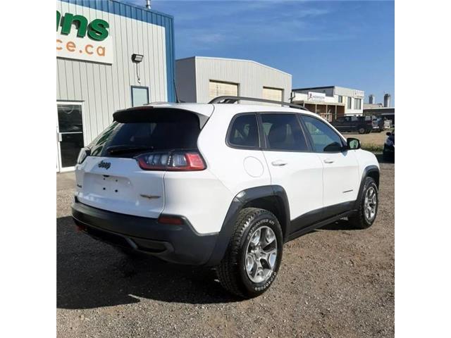 2019 Jeep Cherokee Trailhawk (Stk: 12747A) in Saskatoon - Image 9 of 24