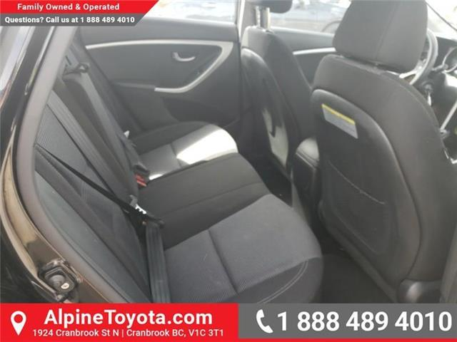 2016 Hyundai Elantra GT GLS (Stk: U267530) in Cranbrook - Image 12 of 21
