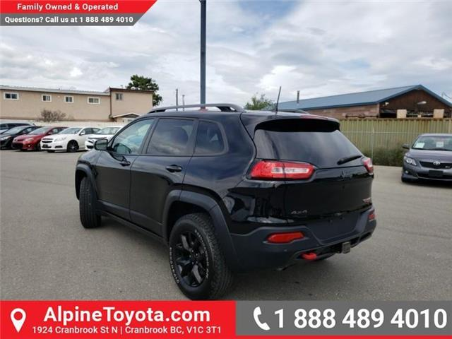 2018 Jeep Cherokee Trailhawk (Stk: 5300056N) in Cranbrook - Image 3 of 27