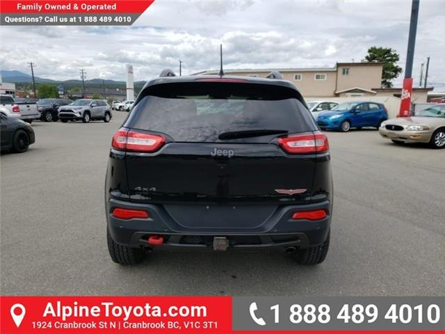 2018 Jeep Cherokee Trailhawk (Stk: 5300056N) in Cranbrook - Image 4 of 27