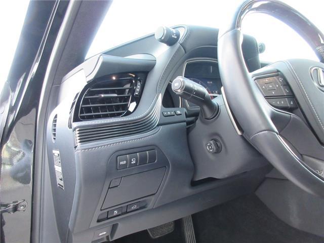 2018 Lexus LS 500 L (Stk: 188030) in Regina - Image 13 of 40
