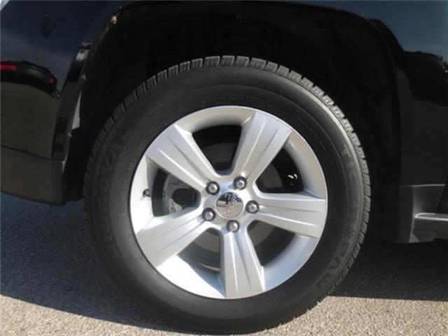 2013 Jeep Compass North 4WD (Stk: M19155A) in Steinbach - Image 6 of 21