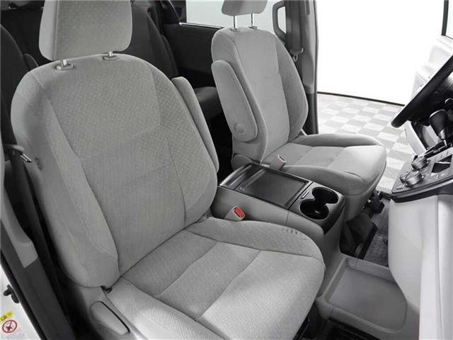 2018 Toyota Sienna LE 8-Passenger (Stk: U11222R) in London - Image 16 of 30