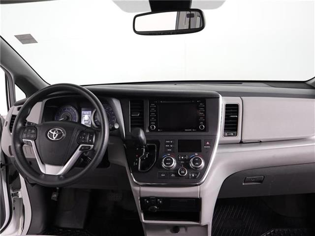 2018 Toyota Sienna LE 8-Passenger (Stk: U11222R) in London - Image 20 of 30