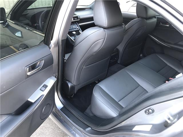 2017 Lexus IS 300  (Stk: 28735A) in Markham - Image 23 of 25
