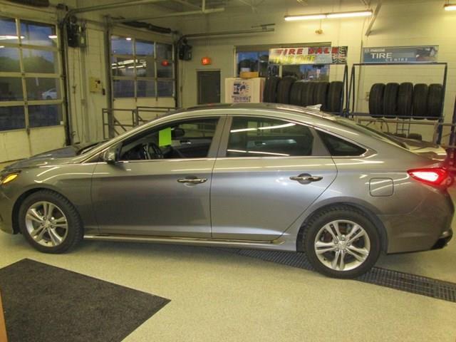 2019 Hyundai Sonata ESSENTIAL (Stk: M2687) in Gloucester - Image 2 of 19