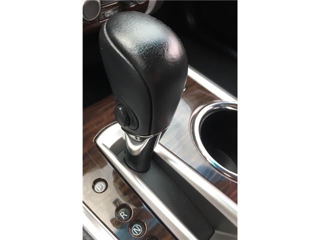 2014 Nissan Pathfinder  (Stk: 19916) in Chatham - Image 15 of 37