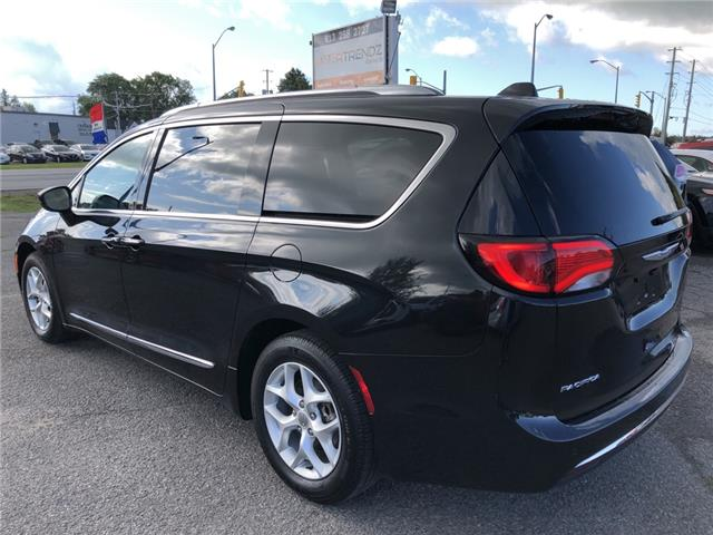 2018 Chrysler Pacifica Touring-L Plus (Stk: -) in Kemptville - Image 3 of 30