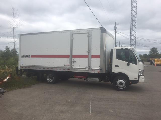 2016 Hino 195 173 Straight Truck (Stk: 307926) in Burlington - Image 1 of 14