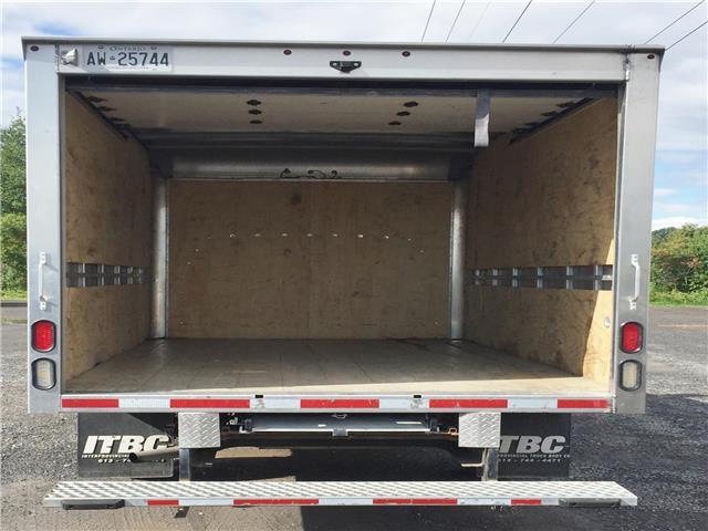 2018 GMC Savana Cutaway Work Van (Stk: 89730) in Ottawa - Image 11 of 14