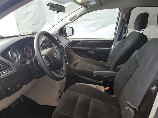 2015 Dodge Grand Caravan SE/SXT (Stk: I1914462) in Thunder Bay - Image 10 of 17