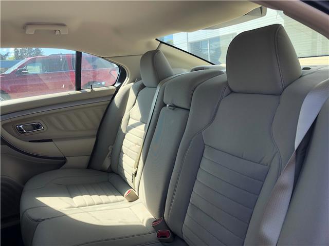 2018 Ford Taurus SE (Stk: 8254) in Wilkie - Image 13 of 21