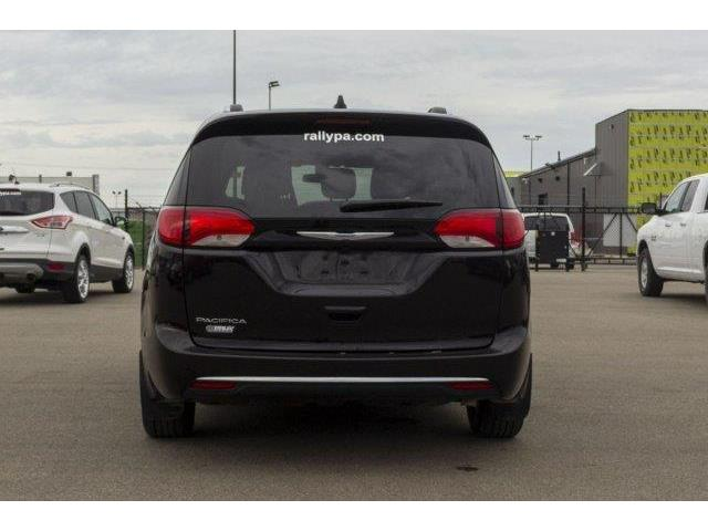 2018 Chrysler Pacifica Touring-L (Stk: 19135A) in Prince Albert - Image 4 of 11