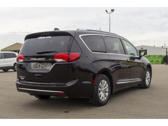 2018 Chrysler Pacifica Touring-L (Stk: 19135A) in Prince Albert - Image 5 of 11