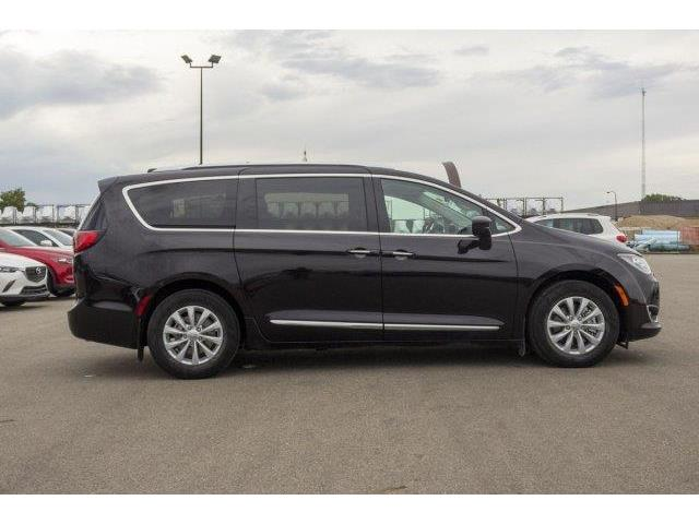 2018 Chrysler Pacifica Touring-L (Stk: 19135A) in Prince Albert - Image 6 of 11