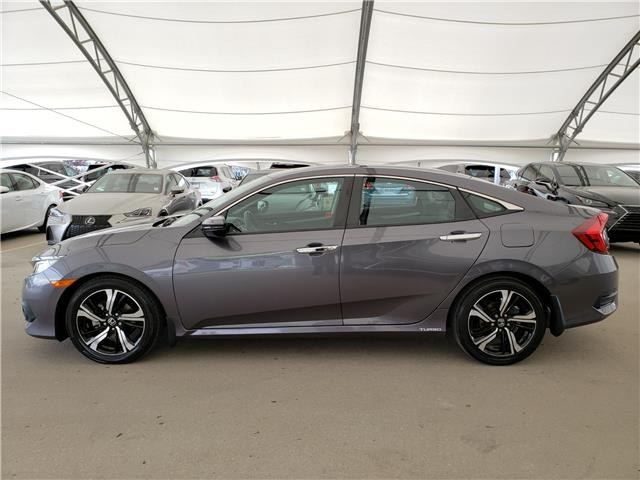 2017 Honda Civic Touring (Stk: L19363A) in Calgary - Image 4 of 23