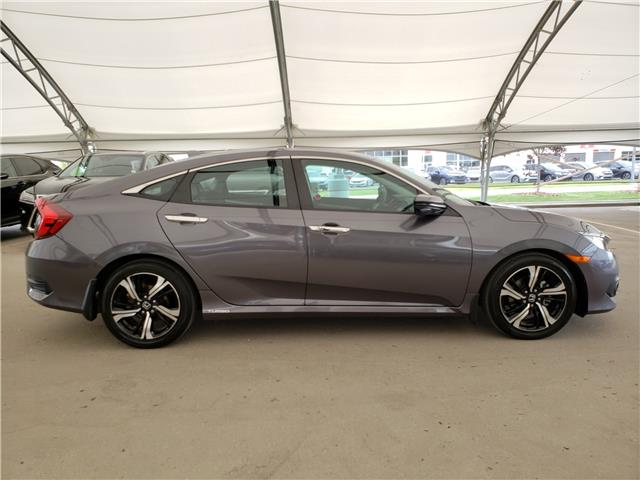 2017 Honda Civic Touring (Stk: L19363A) in Calgary - Image 8 of 23