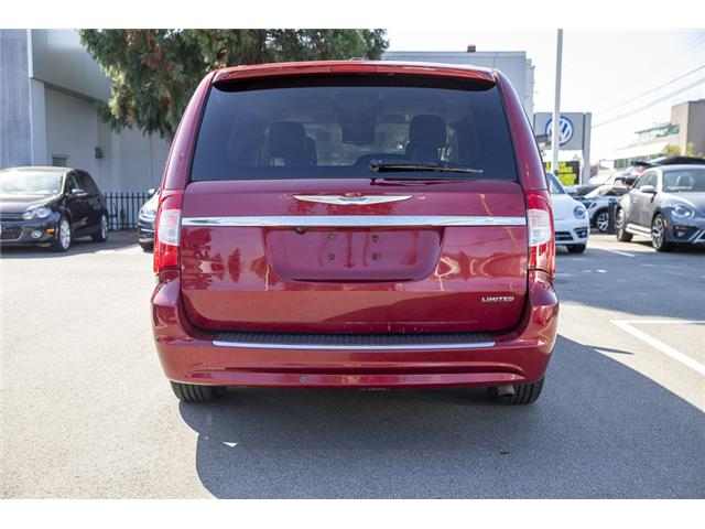 2011 Chrysler Town & Country Limited (Stk: KJ097220B) in Vancouver - Image 5 of 22