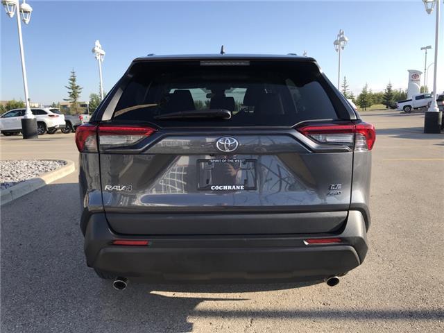 2019 Toyota RAV4 LE (Stk: 2925) in Cochrane - Image 6 of 25