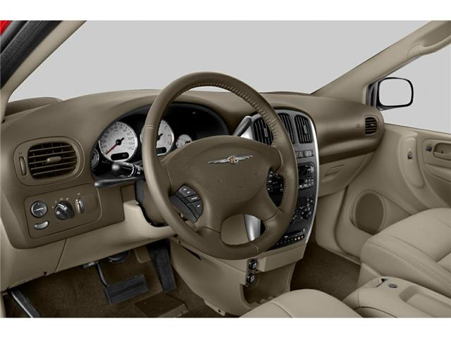 2005 Chrysler Town & Country Touring (Stk: P524) in Brandon - Image 2 of 5