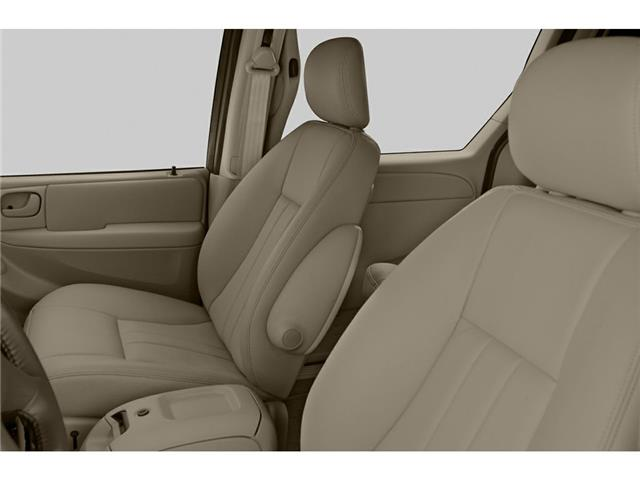 2005 Chrysler Town & Country Touring (Stk: P524) in Brandon - Image 4 of 5
