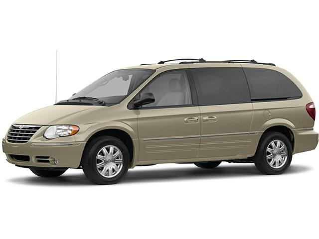 2005 Chrysler Town & Country Touring (Stk: P524) in Brandon - Image 1 of 5