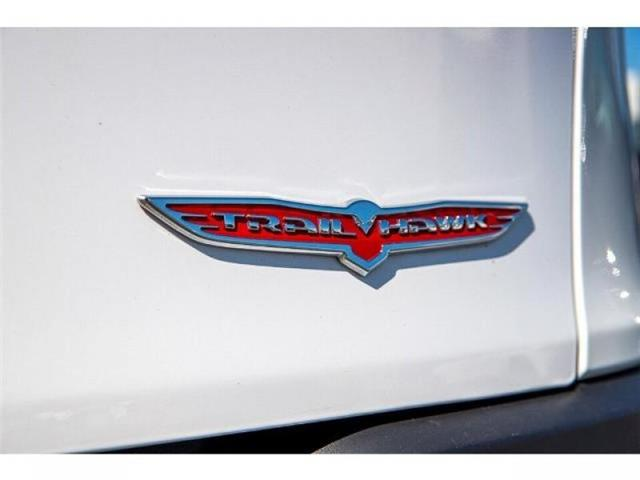 2018 Jeep Cherokee Trailhawk (Stk: K647560A) in Surrey - Image 6 of 25