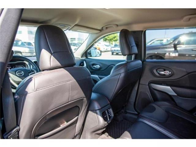 2018 Jeep Cherokee Trailhawk (Stk: K647560A) in Surrey - Image 11 of 25