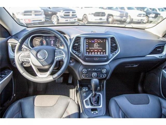 2018 Jeep Cherokee Trailhawk (Stk: K647560A) in Surrey - Image 13 of 25