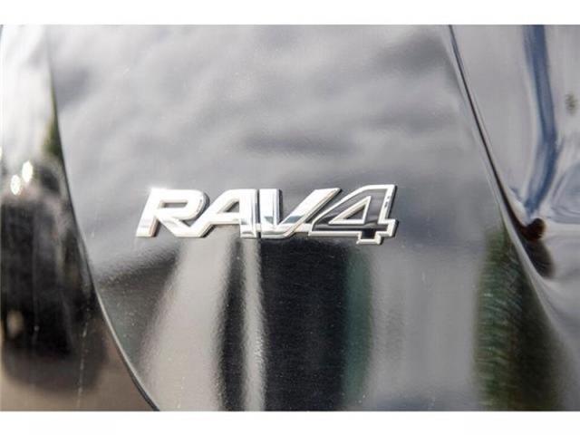 2018 Toyota RAV4 LE (Stk: EE910490) in Surrey - Image 6 of 21