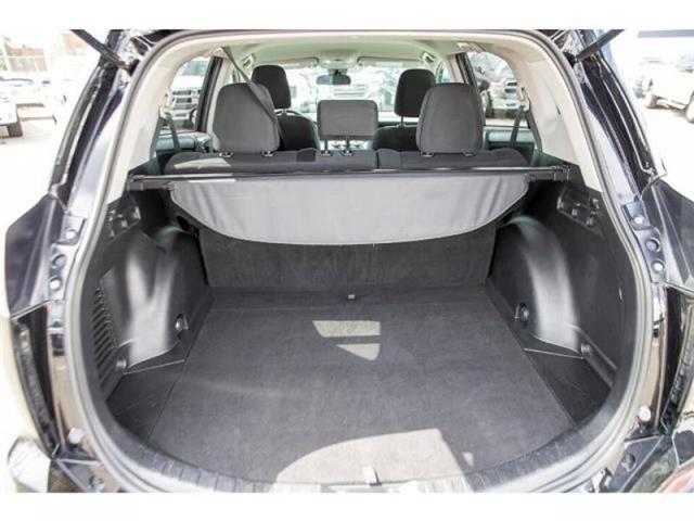 2018 Toyota RAV4 LE (Stk: EE910490) in Surrey - Image 7 of 21