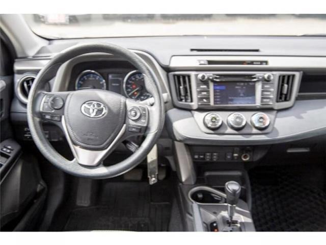 2018 Toyota RAV4 LE (Stk: EE910490) in Surrey - Image 13 of 21