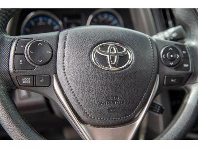 2018 Toyota RAV4 LE (Stk: EE910490) in Surrey - Image 16 of 21