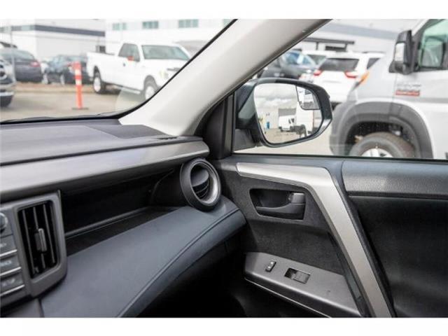 2018 Toyota RAV4 LE (Stk: EE910490) in Surrey - Image 20 of 21