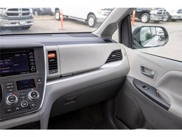 2018 Toyota Sienna LE 7-Passenger (Stk: EE910020) in Surrey - Image 13 of 22
