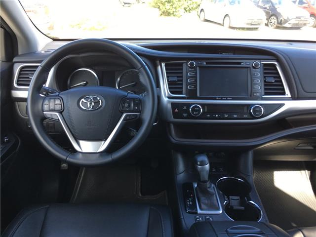 2017 Toyota Highlander XLE (Stk: P1916) in Whitchurch-Stouffville - Image 6 of 17
