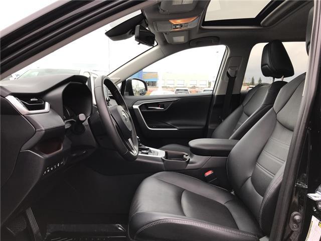2019 Toyota RAV4 Limited (Stk: 2928) in Cochrane - Image 12 of 30