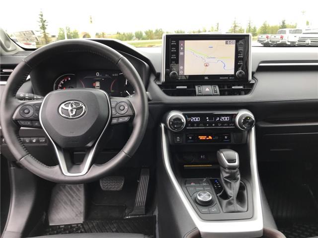 2019 Toyota RAV4 Limited (Stk: 2928) in Cochrane - Image 14 of 30
