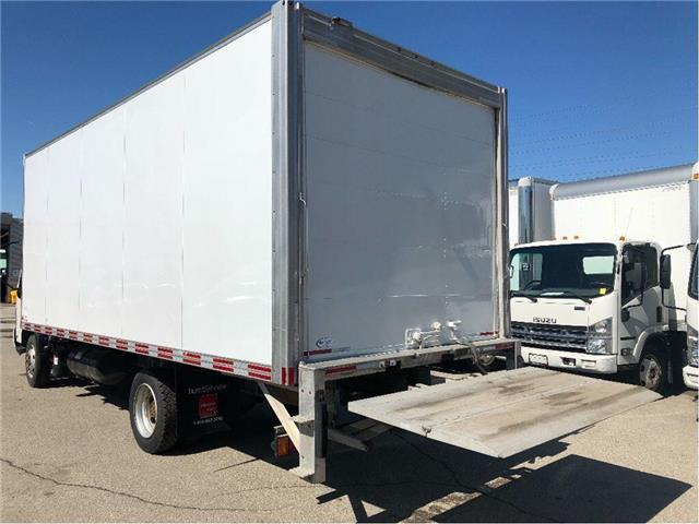 2016 Hino 195 SOLD!Used 2016 Hino 195 With 20' Body & Tailgate (Stk: ST1001189T) in Toronto - Image 8 of 18