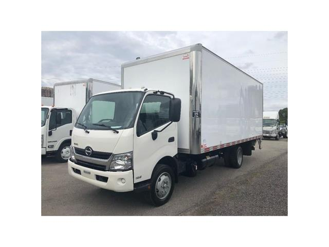 2016 Hino 195 SOLD!Used 2016 Hino 195 With 20' Body & Tailgate (Stk: ST1001189T) in Toronto - Image 9 of 18