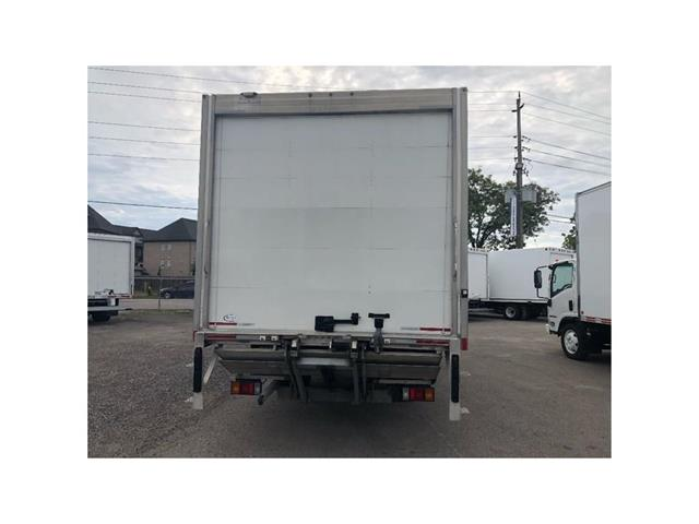 2016 Hino 195 SOLD!Used 2016 Hino 195 With 20' Body & Tailgate (Stk: ST1001189T) in Toronto - Image 12 of 18