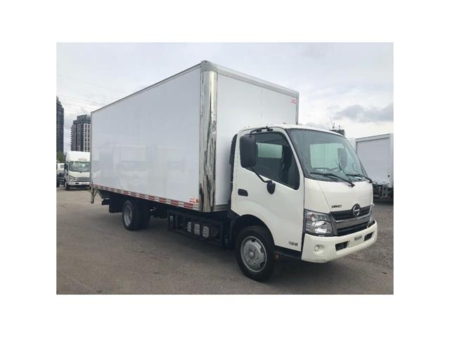 2016 Hino 195 SOLD!Used 2016 Hino 195 With 20' Body & Tailgate (Stk: ST1001189T) in Toronto - Image 14 of 18
