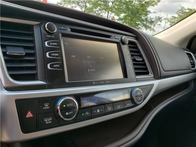 2018 Toyota Highlander  (Stk: P6949) in Etobicoke - Image 18 of 23