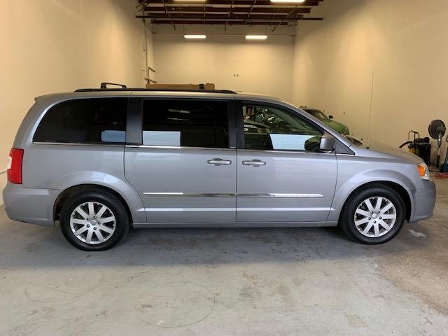 2014 Chrysler Town & Country Touring (Stk: 1187) in Halifax - Image 5 of 18
