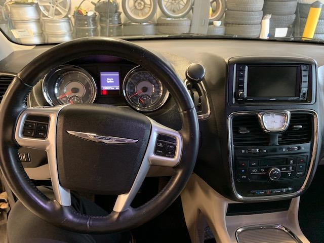 2014 Chrysler Town & Country Touring (Stk: 1187) in Halifax - Image 11 of 18