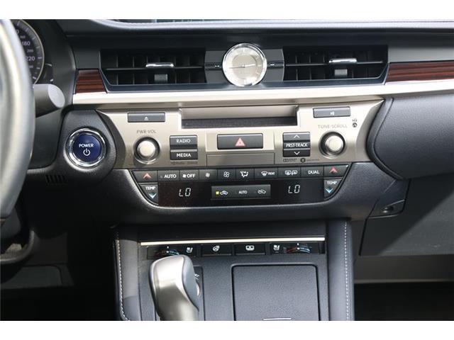 2017 Lexus ES 300h Base (Stk: 200023A) in Calgary - Image 12 of 14