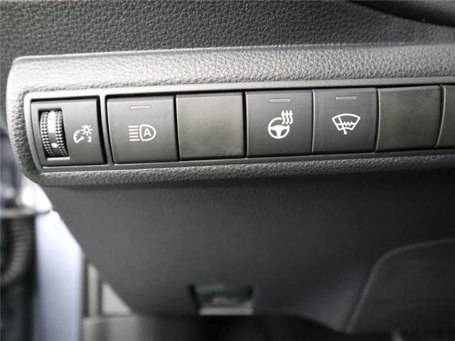 2020 Toyota Corolla XLE (Stk: E0030) in London - Image 22 of 30