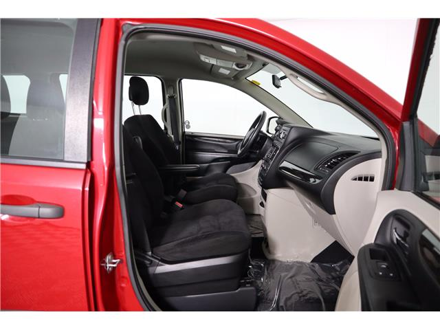 2015 Dodge Grand Caravan SE/SXT (Stk: P19-141) in Huntsville - Image 14 of 32